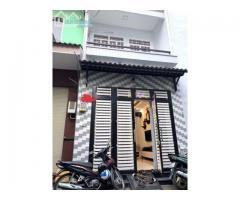 bán gấp căn nhà 1 trệt, 1 lầu tại đường Lê Thị Hà