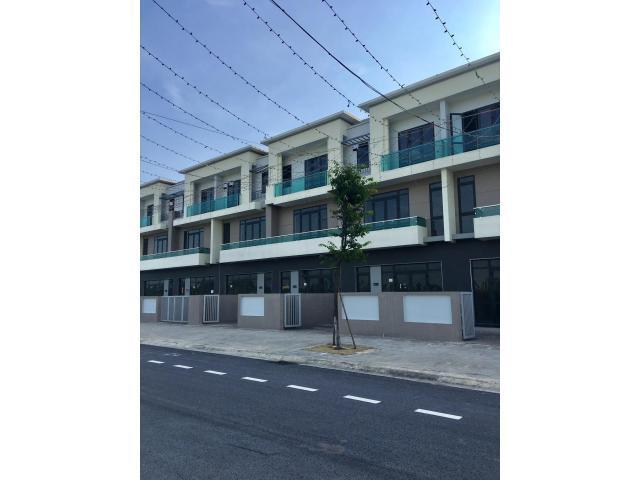 Bán shophouse centa city mặt đường 26m giá 3.5 tỷ, lh 0973321776