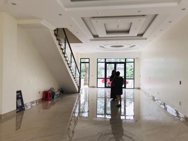 Cho Thuê 90m2 shophouse VSIP tầng 1 làm tiệm tóc, Nail, lh 0973321776