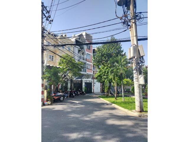Bán Nhà Mặt Tiền Nguyễn Đình Khơi  80 m2, 4 Lầu ,  4 PN, Giá Rẻ.