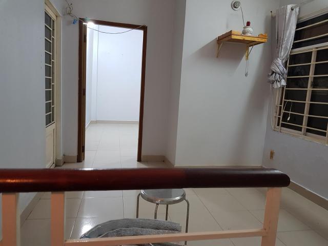 Cho thuê nhà nguyên căn 2 lầu q7. giá 7,5 triệu